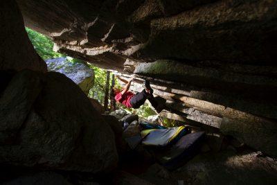 squamish bouldering, gibbs Cave, women climbers, squamish climbing coach