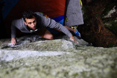 squamish bouldering, paradise valley, crystal method v5, sundev lohr