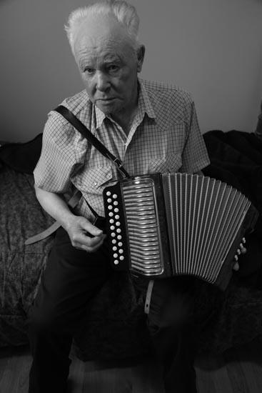 bill watkins, accordian player, newfoundland people, newfoundland muscian