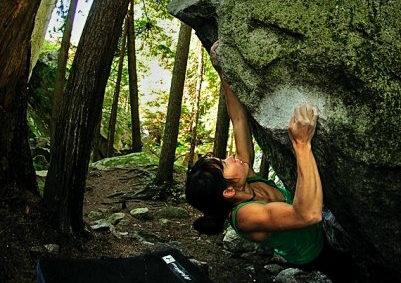 encore en fois, squamish bouldering, v11, women boulderers